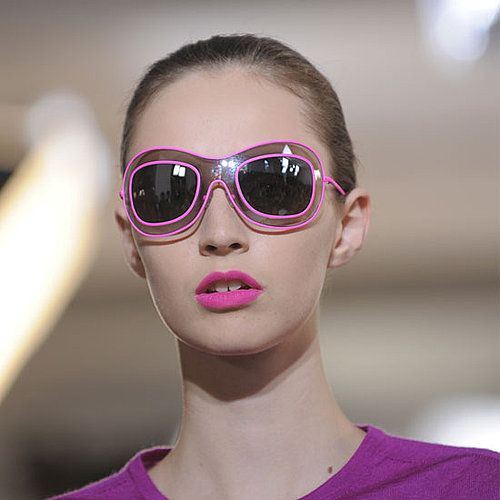 Photo of 4 Ways to Wear Hot Pink Lipstick: Daring or Wild
