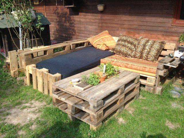 Holzmöbel garten  paletten möbel ideen garten sitzkissen selber bauen | Garten ...