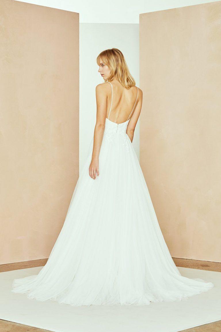 25++ Spaghetti strap wedding dress with tulle skirt info