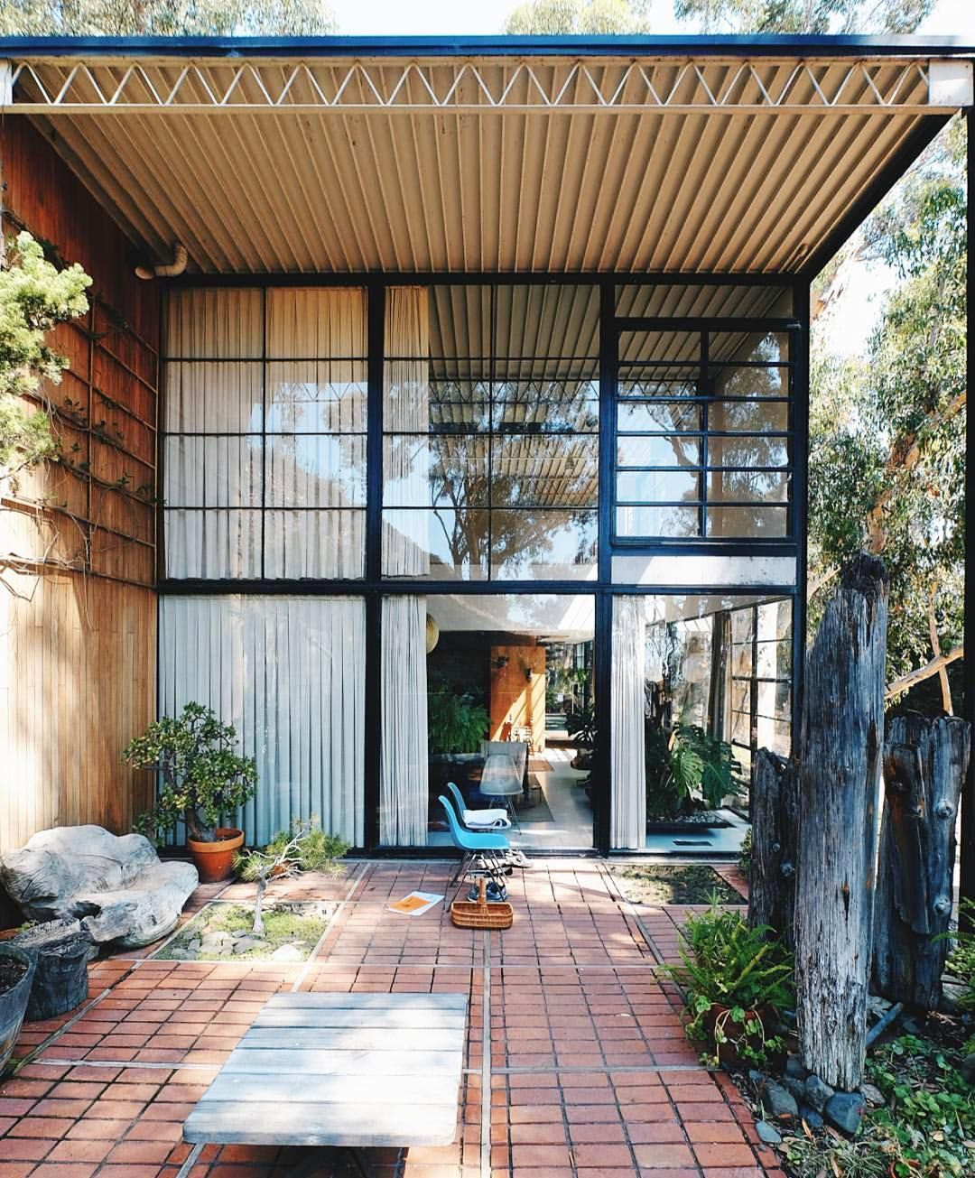 """Lonny on Instagram """"Case Study House No. 8 by Charles and"""