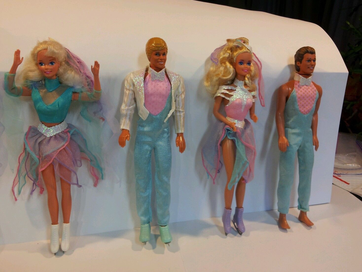 Barbie and Ken Ice Skaters Ice Capades with Costumes and Skates ...