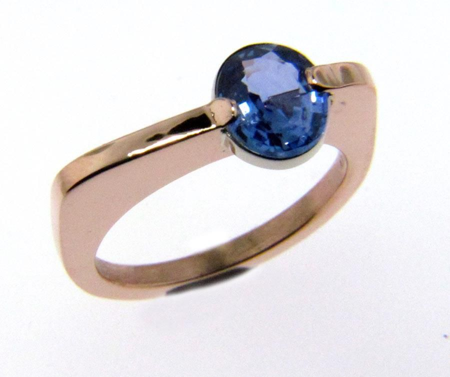 Pink Gold and Cornflower Blue Sapphire Stand Up Ring ...
