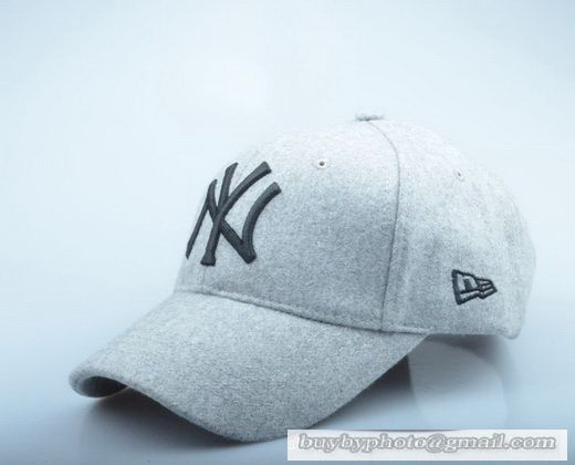 fff80a4823f New Era MLB New York Yankees Baseball Cap Autumn Winter Thick cap Wool hat  Outdoor Sports Caps White