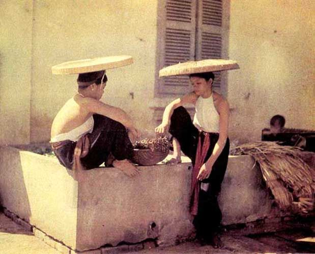 Asia Finest Discussion Forum > Old Vietnamese Clothing