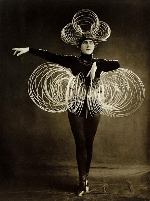 Das Triadisches Ballett costume, 1922