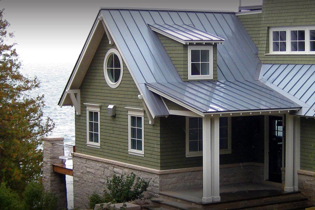 2020 Metal Roof Vs Shingles Average S Per Square Foot In 2020 Metal Roof Houses Fibreglass Roof Metal Roof