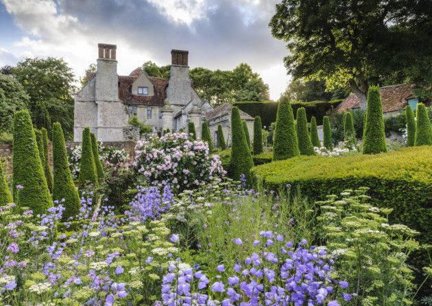 The manor garden in Oxfordshire where Hannah works as head gardener. Credit: Jason Ingram.