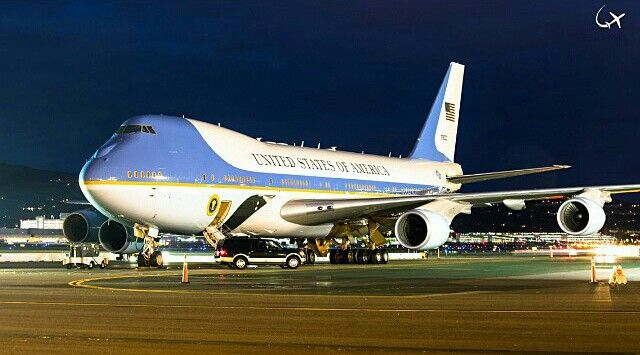 Air Force One @SFO @alexme71   Air force ones, Aircraft