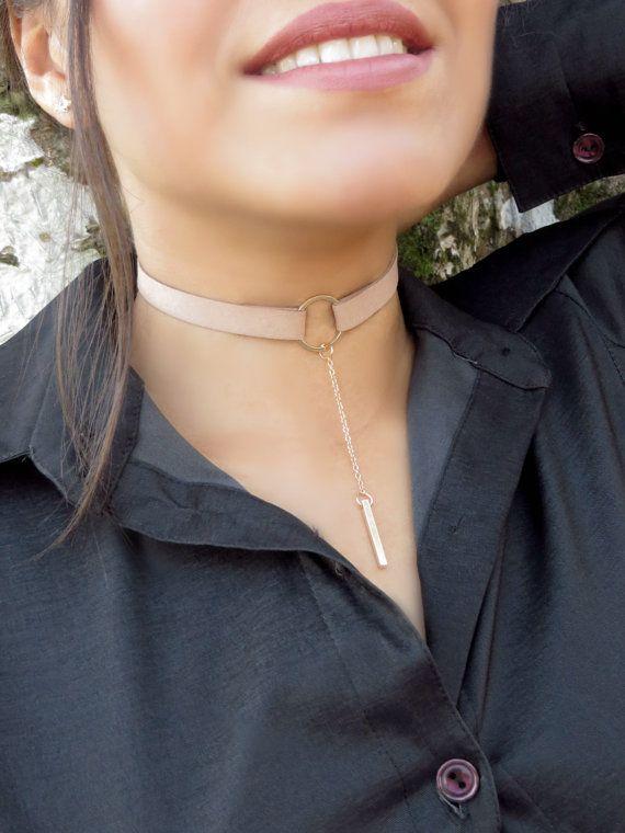 collier ras de cou daim