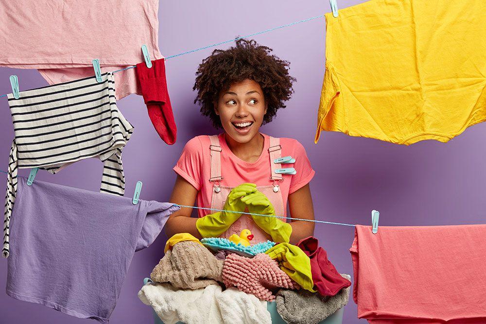 كيفية غسل الملابس أفضل طريقة تليين الجينز وتطرية القماش يدويا في المنزل بسهولة Spring Cleaning Checklist Cleaning Checklist Spring Cleaning