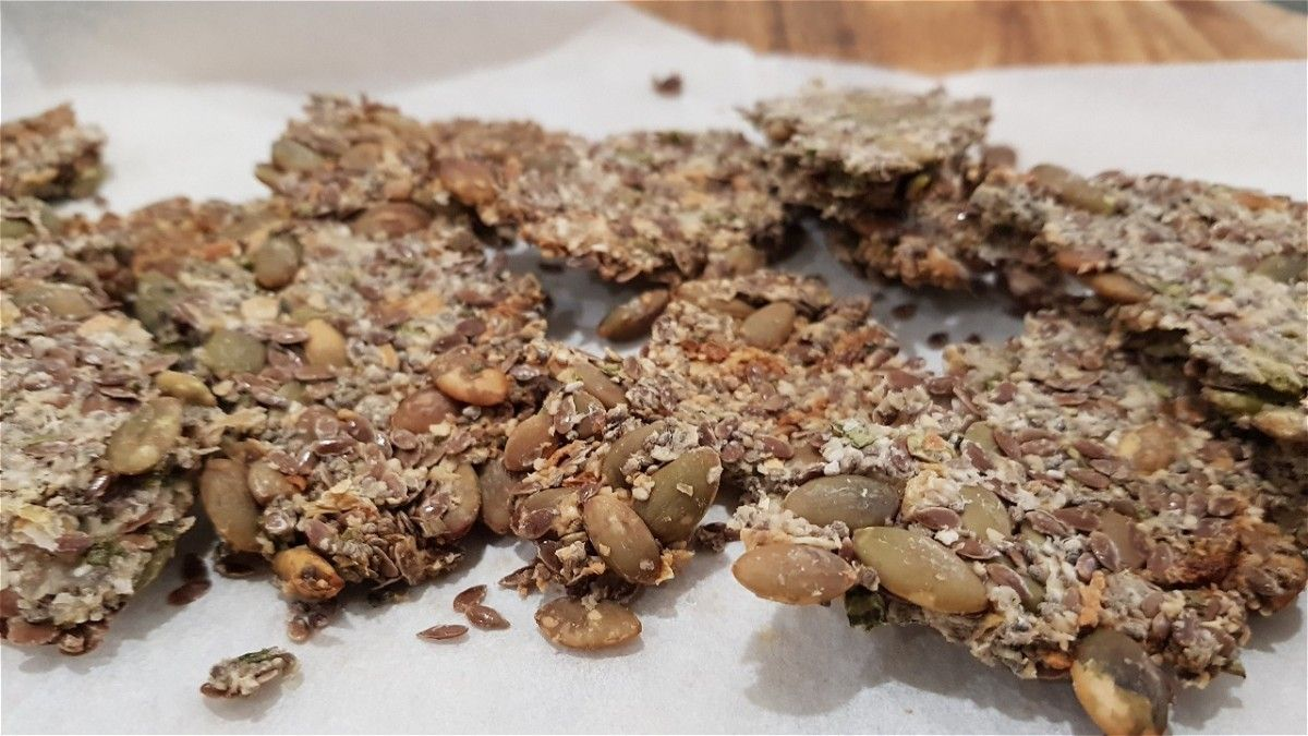 Vegan Flax Seed Crackers Flax seed crackers, Easy