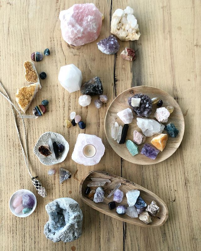 FULL MOON means my crystals all get a cleanse and a charge ...