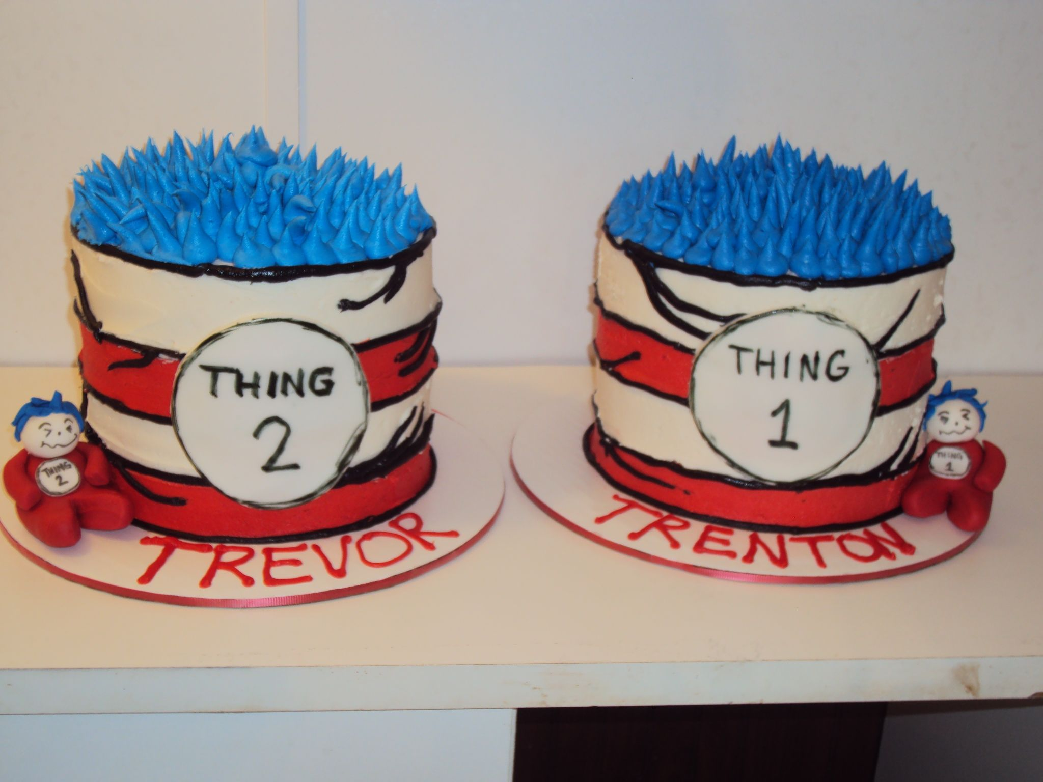 Pleasing Thing 1 And Thing 2 Cakes Casis Cakery Seuss Cakes Twin Boys Funny Birthday Cards Online Necthendildamsfinfo