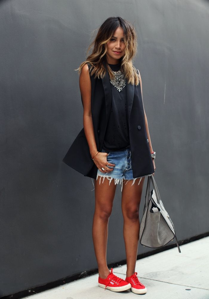 Look de moda  Blazer sin mangas negro 1d0a76883334