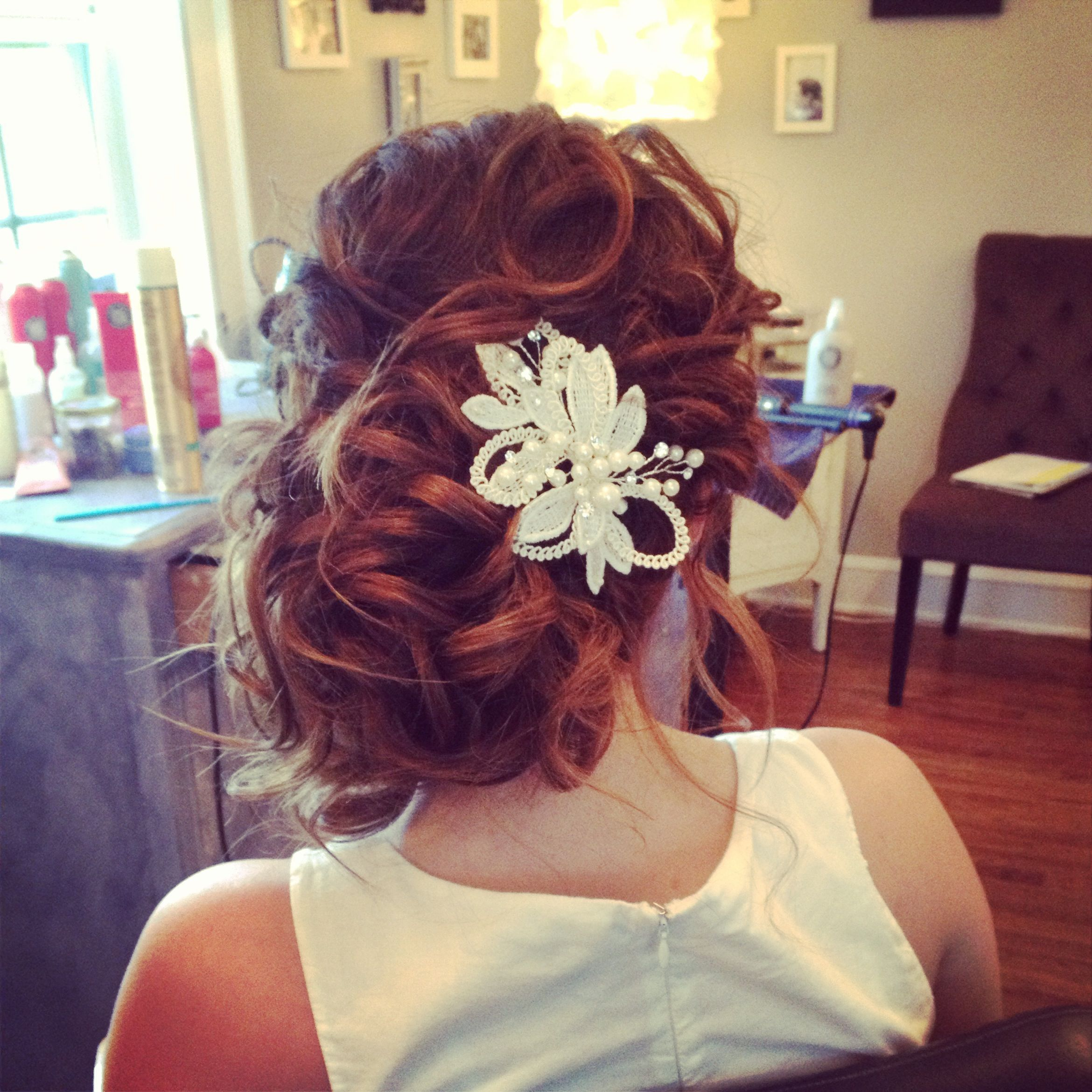 messy wedding hair. messy bridal hair style. ash and co