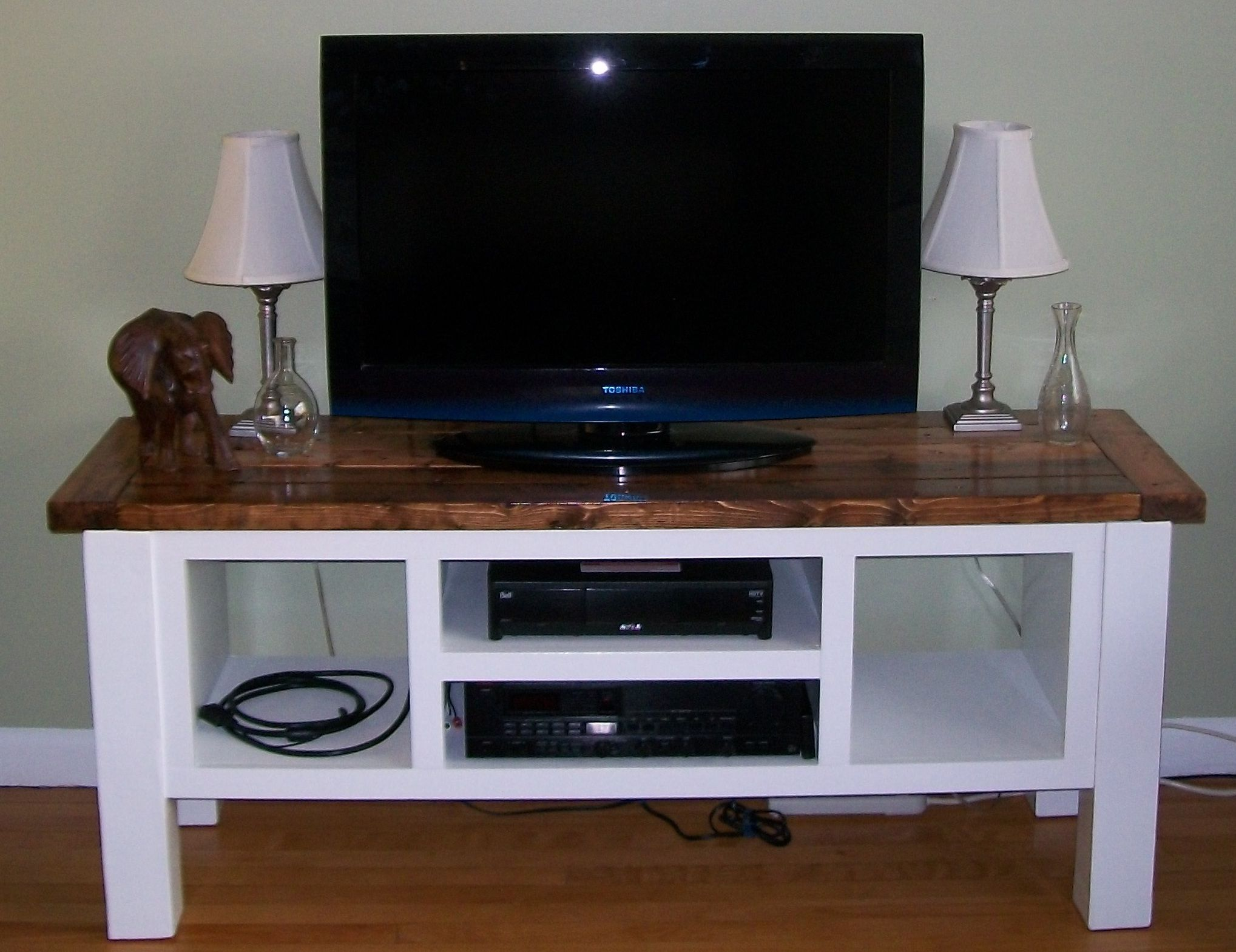 Tryde media console do it yourself home projects from ana white tryde media console diy projects solutioingenieria Image collections