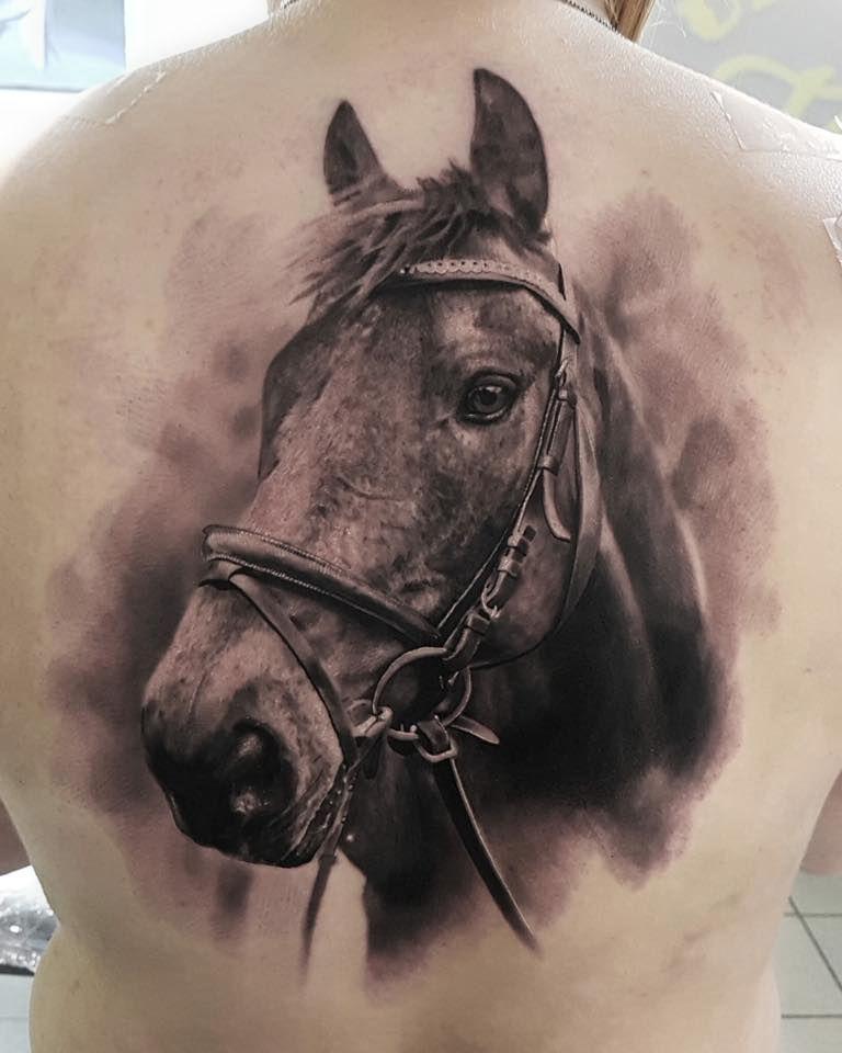 Głowa Konia Tatuaż Na Plecach Tattoos Konie Tatuaż Na