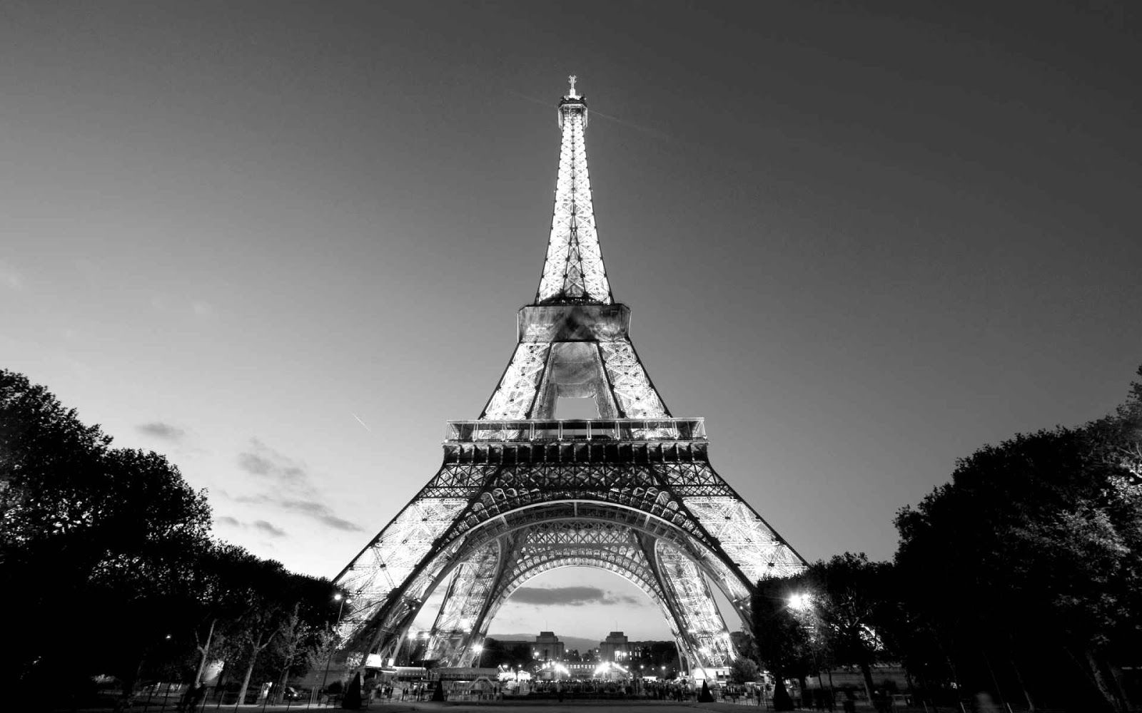 Black and white photography eiffel tower black and white photo