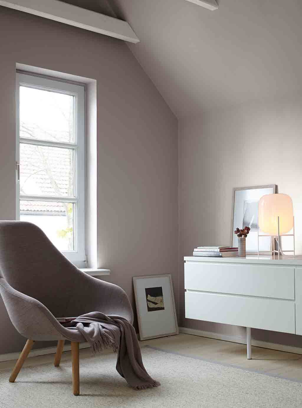 Graue Wand Im Wohnzimmer Alpina Feine Farben No 03 Poesie Der Stille
