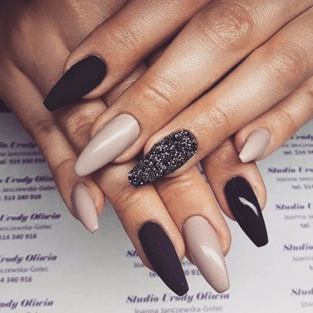 Divine nails to inspire your day 2019 Page 33 of 55