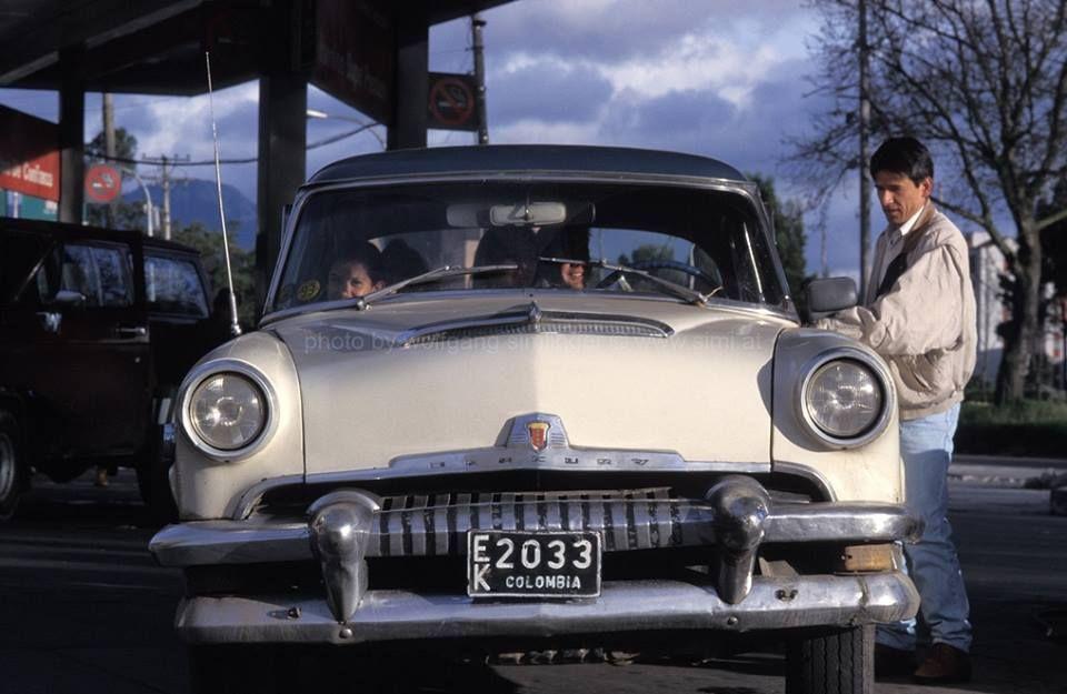 ◘ Mercury Monterrey 1954 ◘ - En alguna estación de gasolina en 1994. -