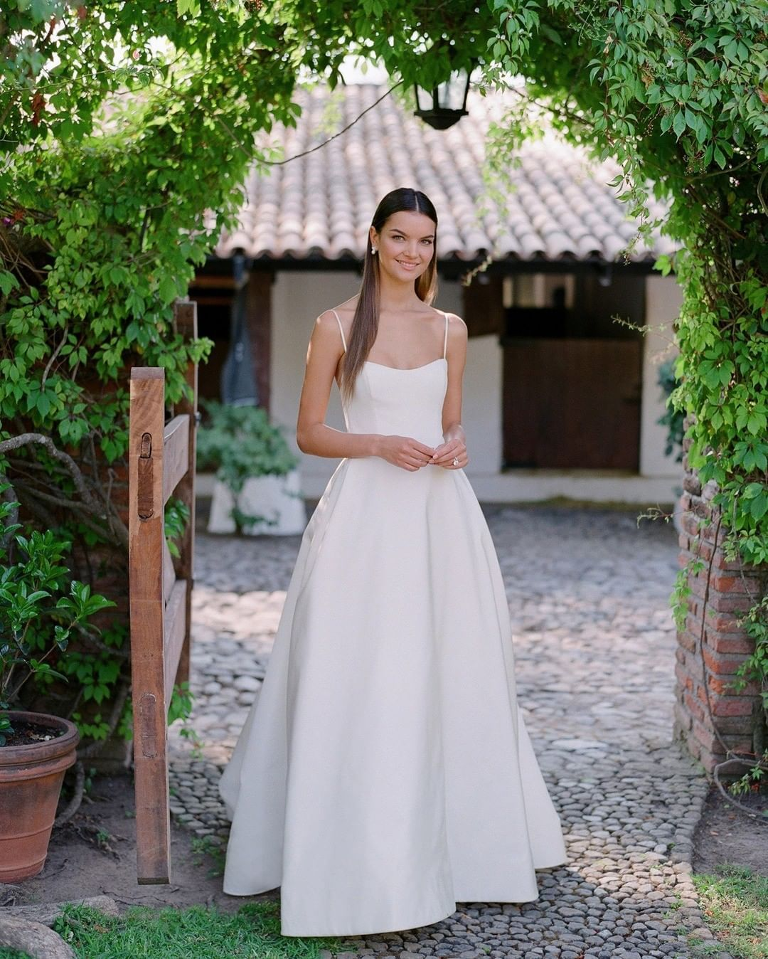 20++ Clean lines wedding dress trends