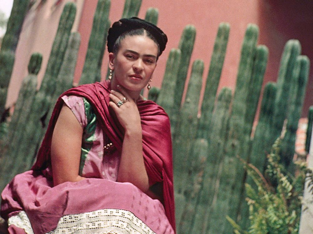 FRIDA KAHLO'S DRESS http://journal.alabamachanin.com/2016/07/frida-kahlos-dress/?utm_campaign=coschedule&utm_source=pinterest&utm_medium=Alabama%20Chanin&utm_content=FRIDA%20KAHLO%27S%20DRESS