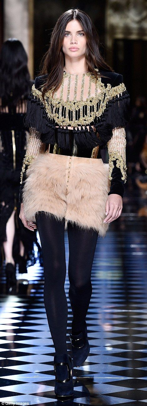 a5ce0010f Kendall Jenner and Gigi Hadid swap hair colour at Balmain Paris Fashion  Week