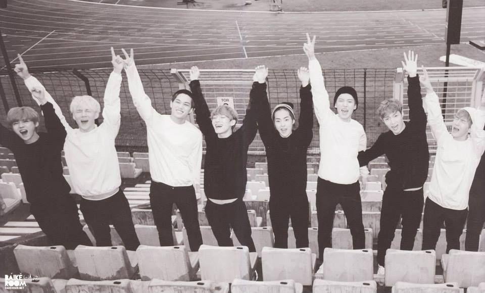 [ LUHAN , SEHUN , KAI , CHEN , XIUMIN , CHANYEOL , LAY & BAEKHYUN ] - EXO First official photobook 'Die Jungs'