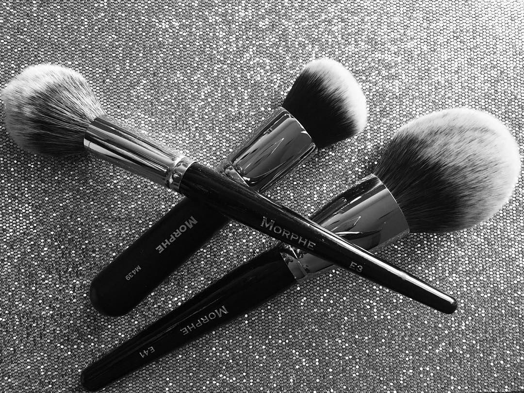 I love these Morphe brushes! I hate that the elite series is gone   #makeupjunkie #makeupaddict #makeup #youtuber #beautyblogger #cute #makeuplover #makeupbrushes