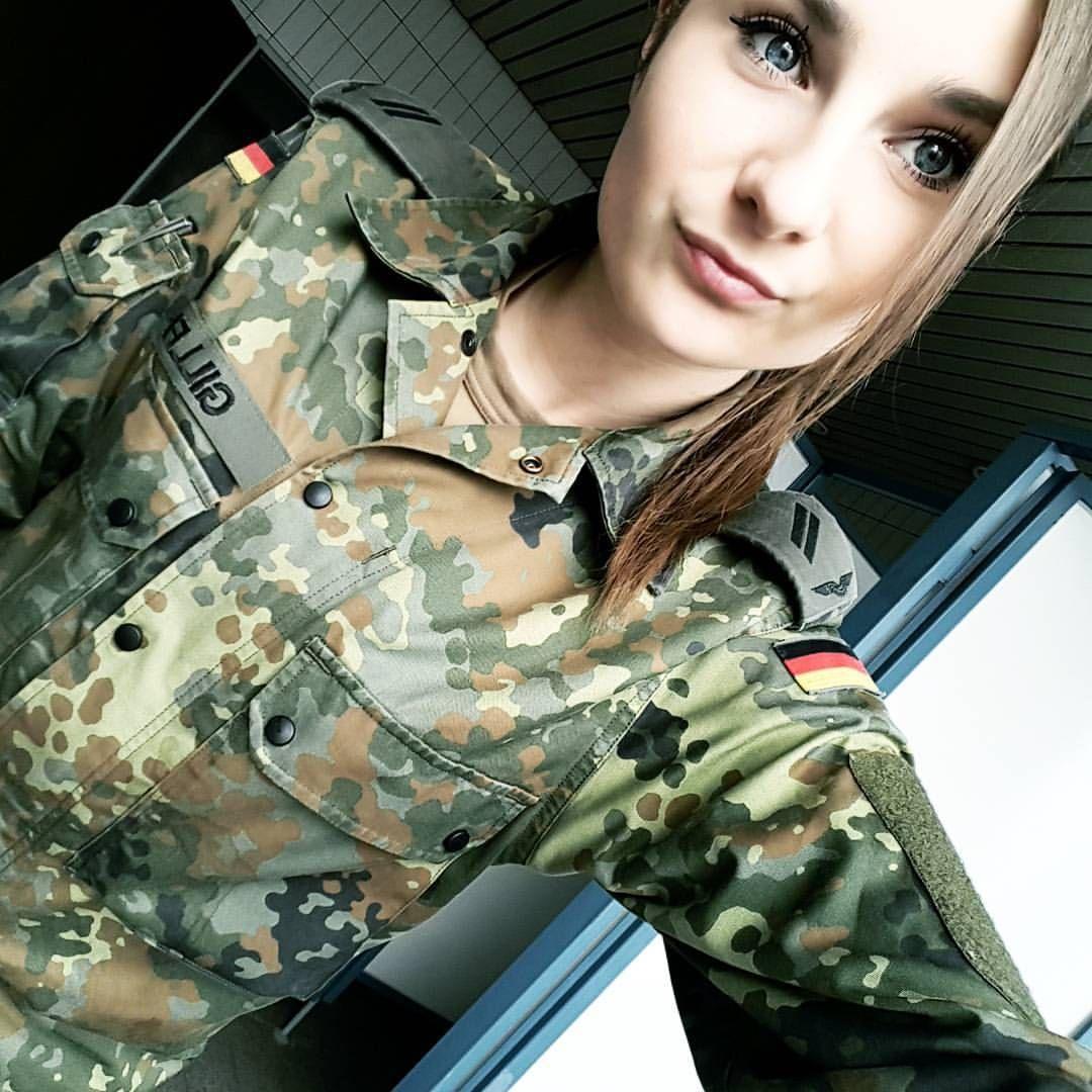 535 Likes 8 Comments Lissaa98 On Instagram Work Happy Picoftheday Inkedsoldier Tattoo Inked Wirdienendeuts Bundeswehr Frauen Frauen Frisuren Bundeswehr