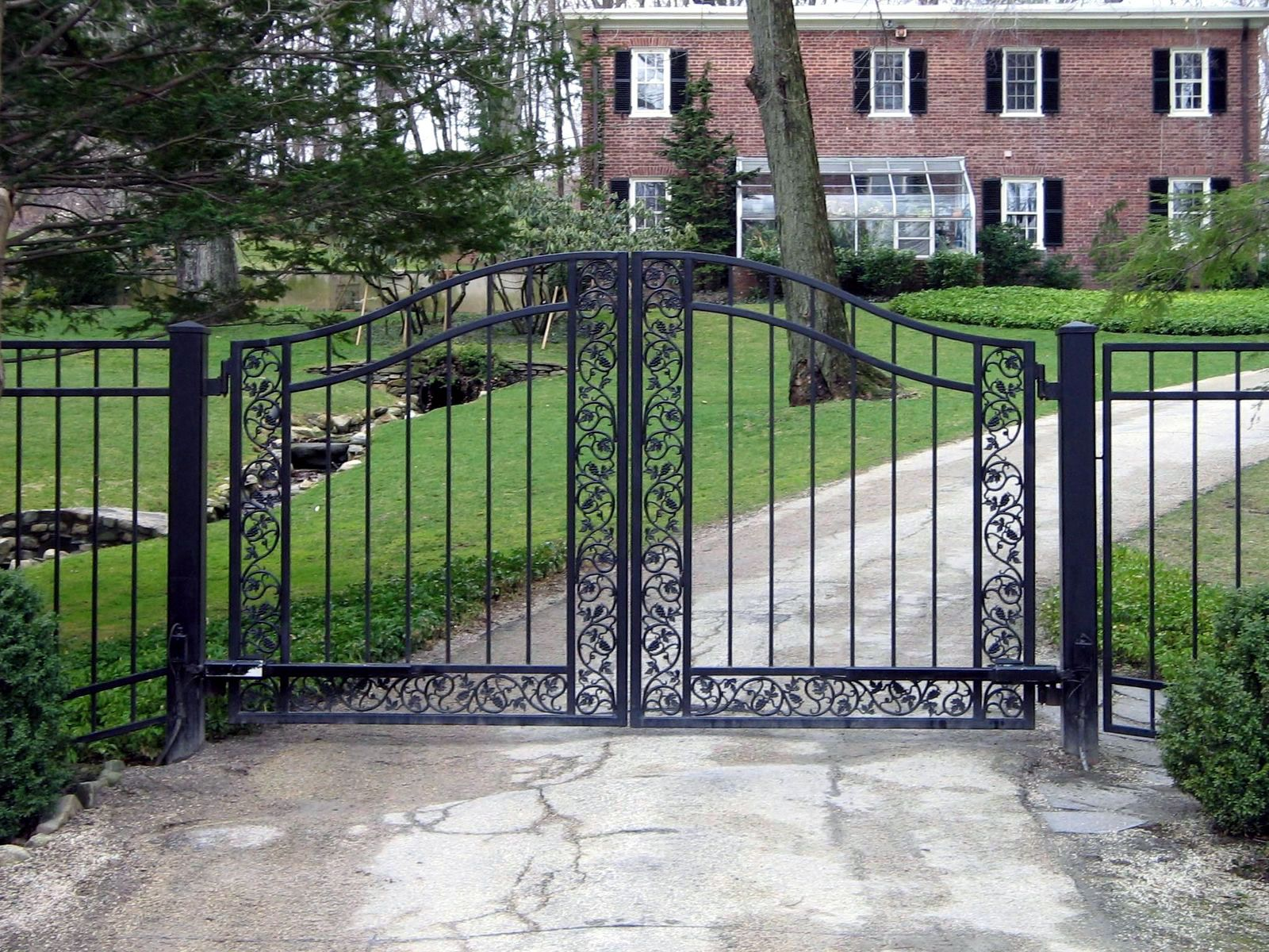 Beautiful Entry Gates for Driveway