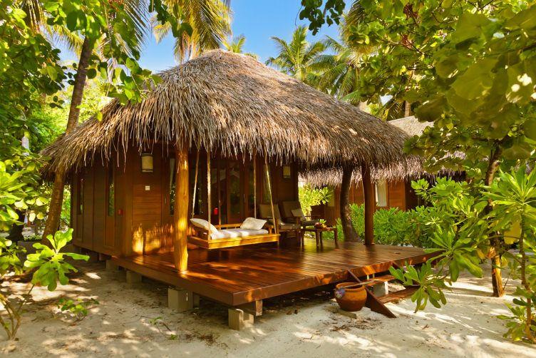 26 صورة ستجعلك ترغب السفر إلى جزر المالديف Hut House Beach Cottage Decor Bamboo House Design