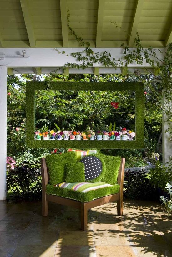 Gartendeko Gartenideen Sessel Deko Moos Kissen Kaffeetassen Blumen