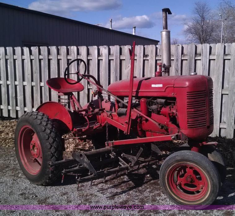 1939 Farmall B Tractor Four Cylinder Gas Engine Approx 100