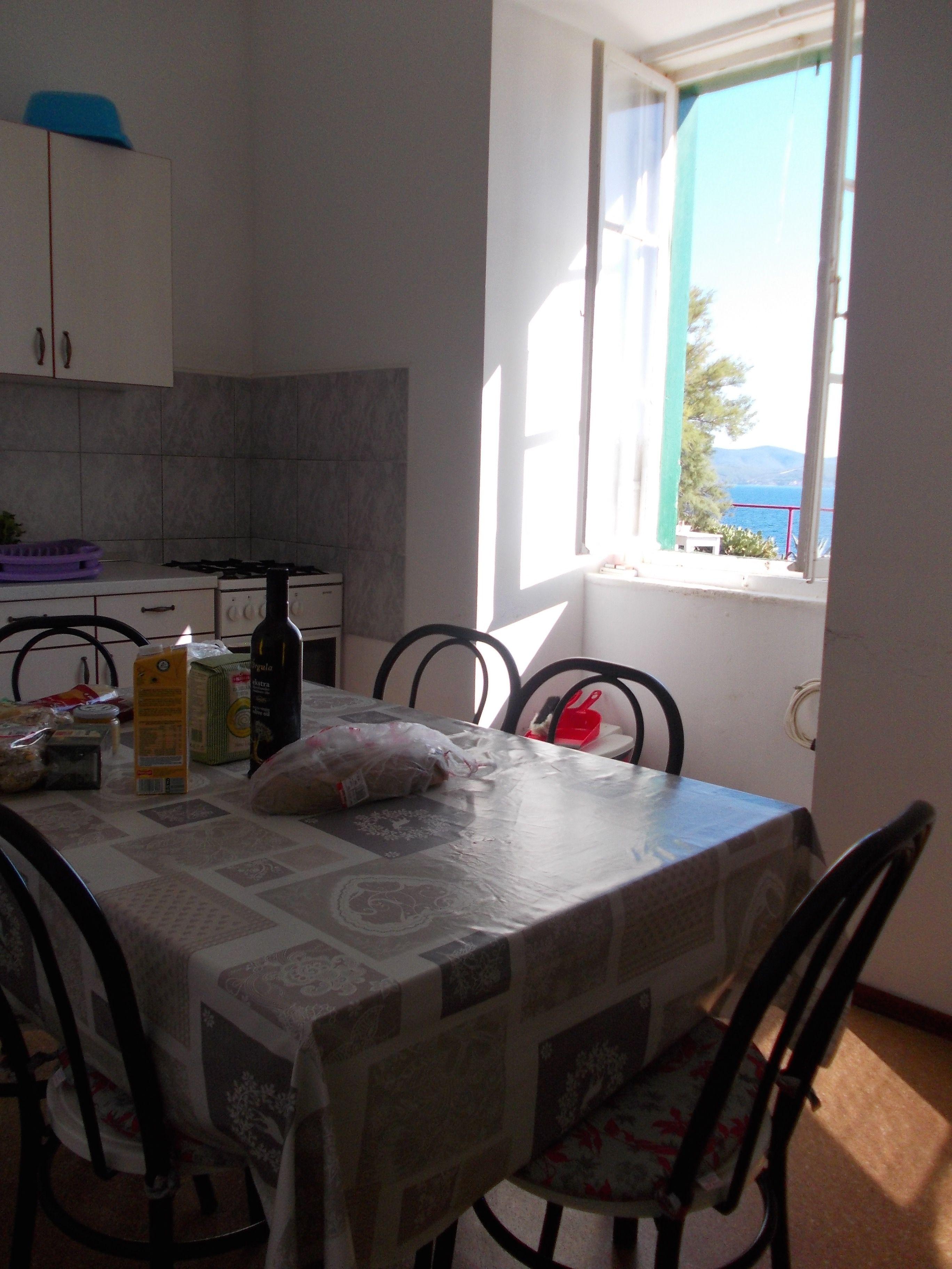 Küche im Leuchtturmhaus Kroatien urlaub, Yoga und