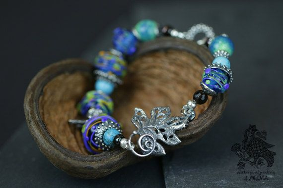 Armband Glasperle beads blau von SIRINaLampwork auf Etsy | Bohemian ...
