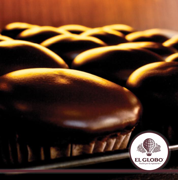Panqué de Chocolate Exquisito pan de chocolate elaborado con mantequilla ,cubierto con fondant de chocolate #antojo #chocolate #postre #delicioso #hambre #panque #fondant