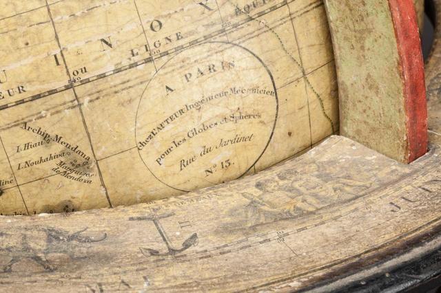 Delamarche globe terreste en papier m ch et carton - Globe terrestre en carton ...