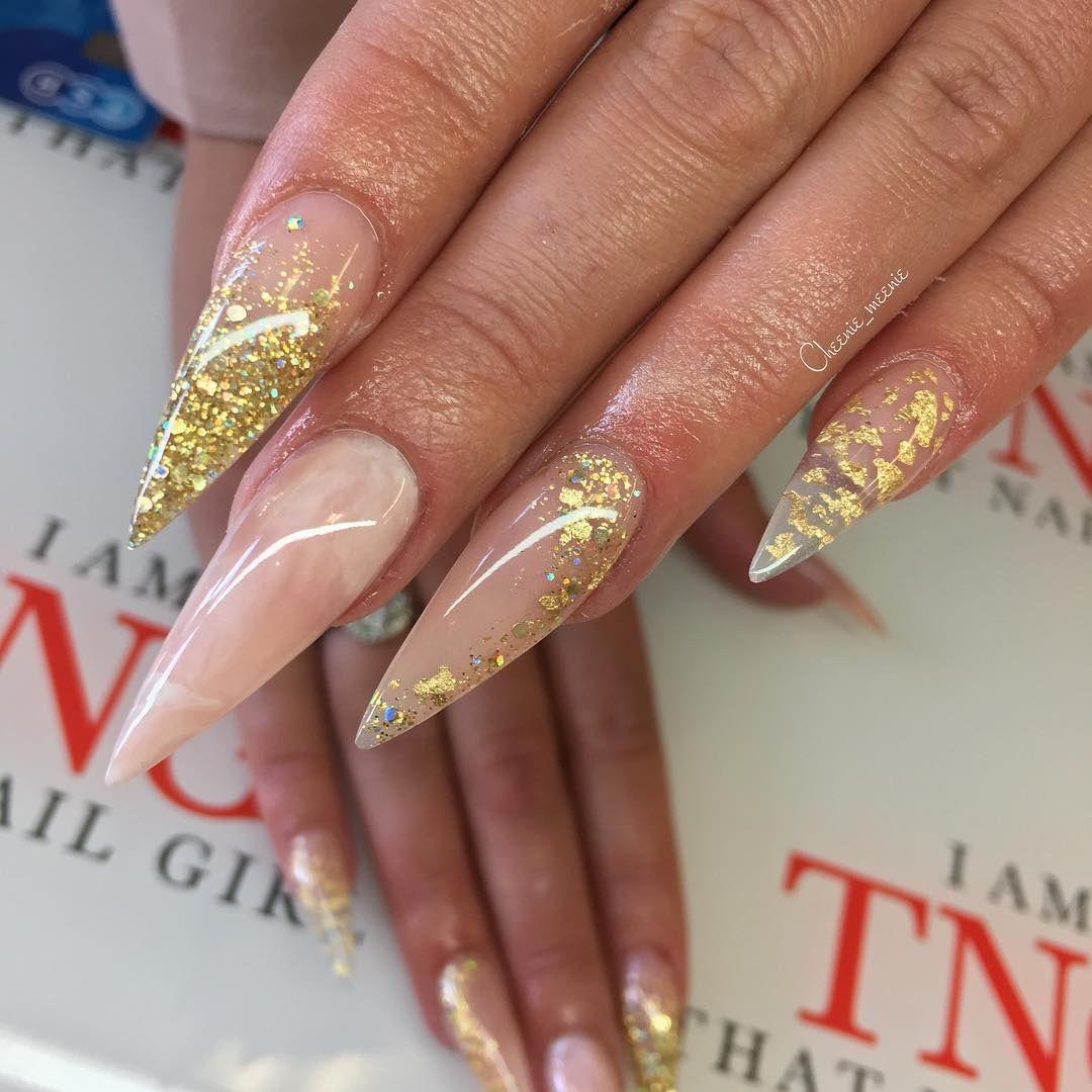 c h e m a i n e e e in 2021   Minimalist nails, Cute nails