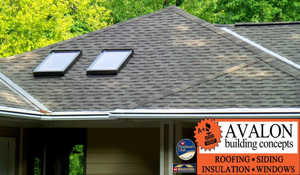 A New Roof On Grand River Drive In Lowell Avalon Is A Grand Rapids Gaf Master Elite Roofer And President S Club Award Winner And Has Avalon Roofs Build