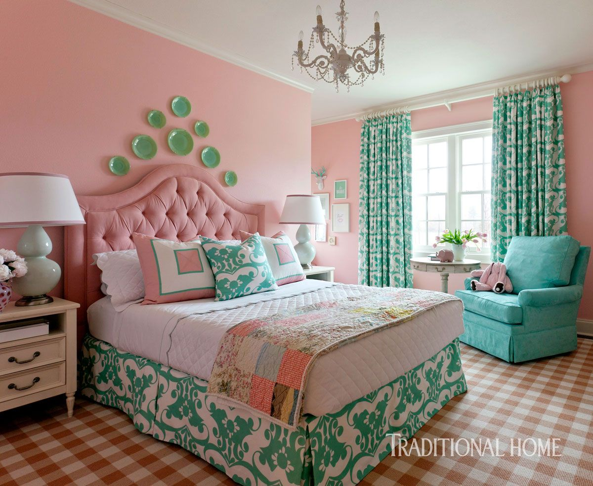 """Wall paint (""""Bella Pink"""" #SW 6596); ceiling and trim paint (""""Alabaster"""" #SW 7008): Sherwin-Williams"""