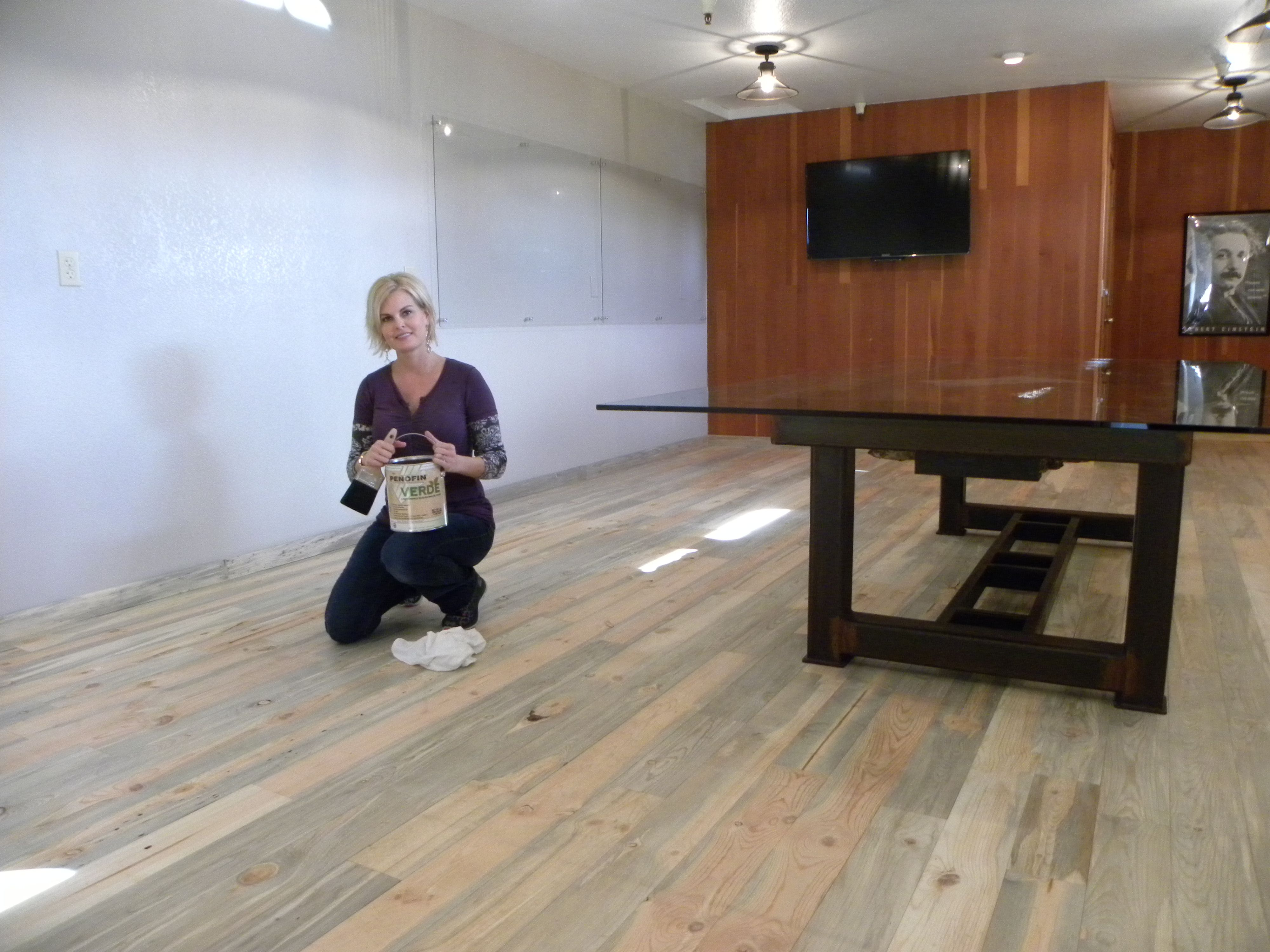 Step 1 Apply A Coat Of Penofin Verde Whitewash Mist Using A Paint Brush To The Beetle Kill Pine Flooring Staining Wood Pine Floors Wood Finish