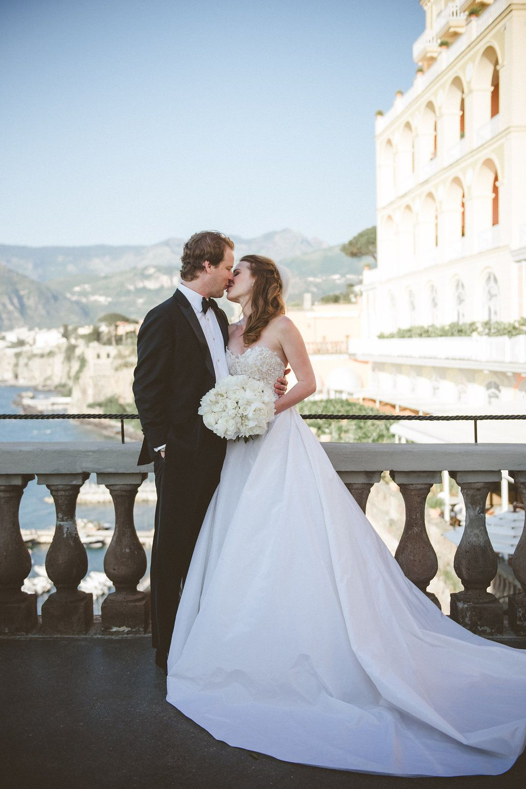 Elegant white u gold destination wedding with reem acra bridal gown