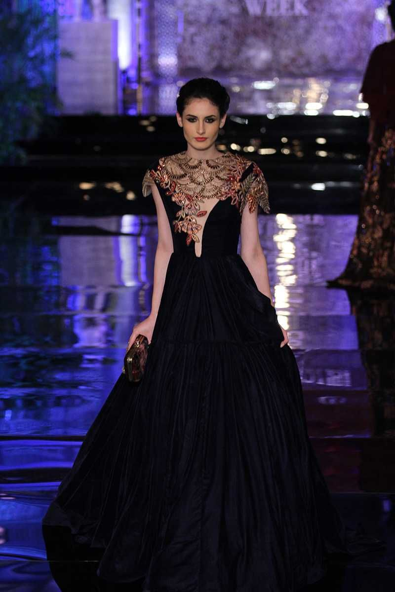 Manish Malhotra\'s Latest collection: The Persian Story