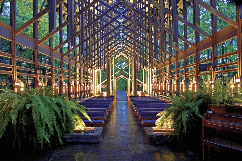 5 Reasons Why Eureka Springs Is The Perfect Place To Say I Do Famous Chapel With Thorncrown Chapel Eureka Springs Eureka Springs Arkansas Thorncrown Chapel