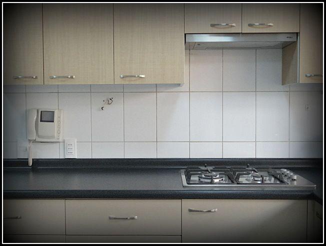 Muebles a reos enchapados con textura muebles base - Muebles de cocina metalicos ...