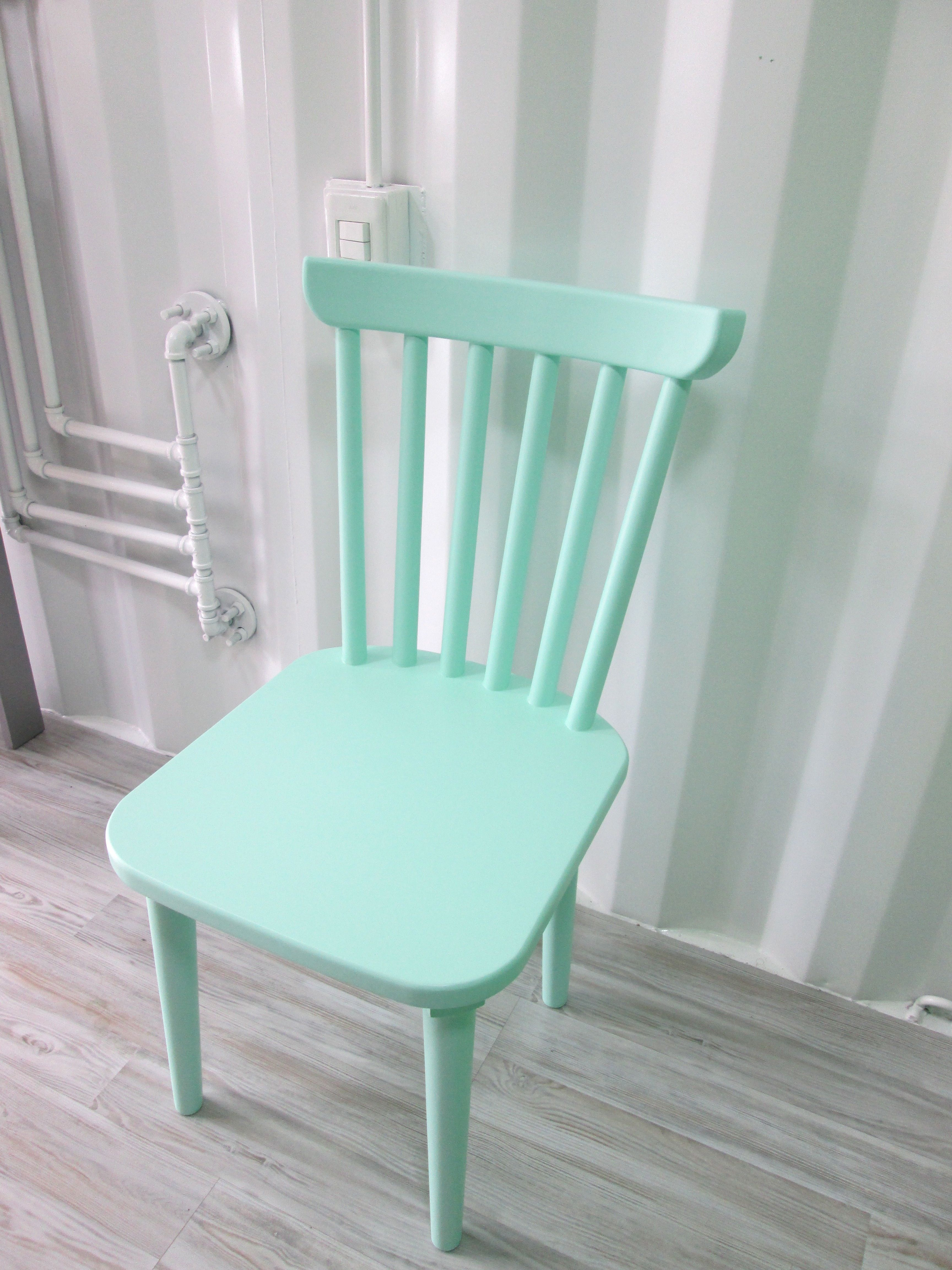Silla candy hecha y pintada a mano y fabricada en madera perillo silla pinterest sillas - Pintar sillas de madera ...
