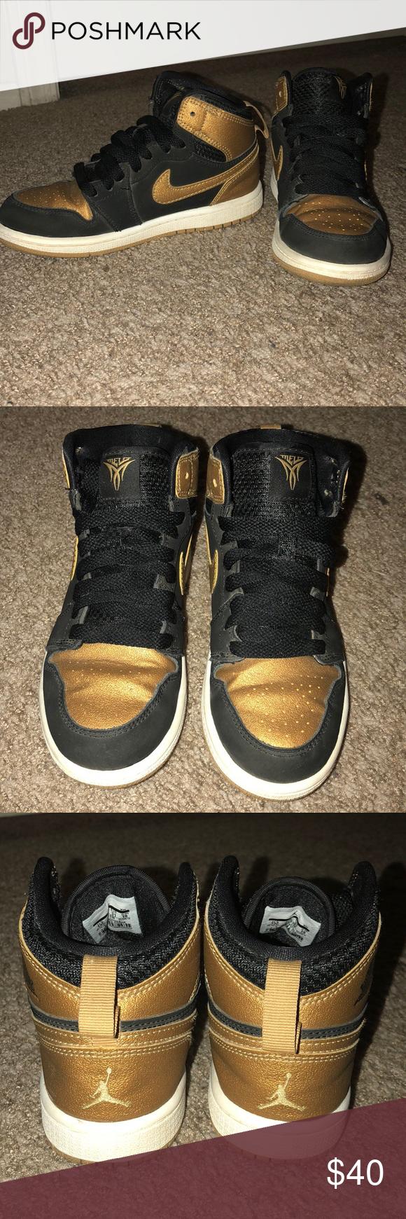 Air Jordan Retro 1 Black, Metallic Gold
