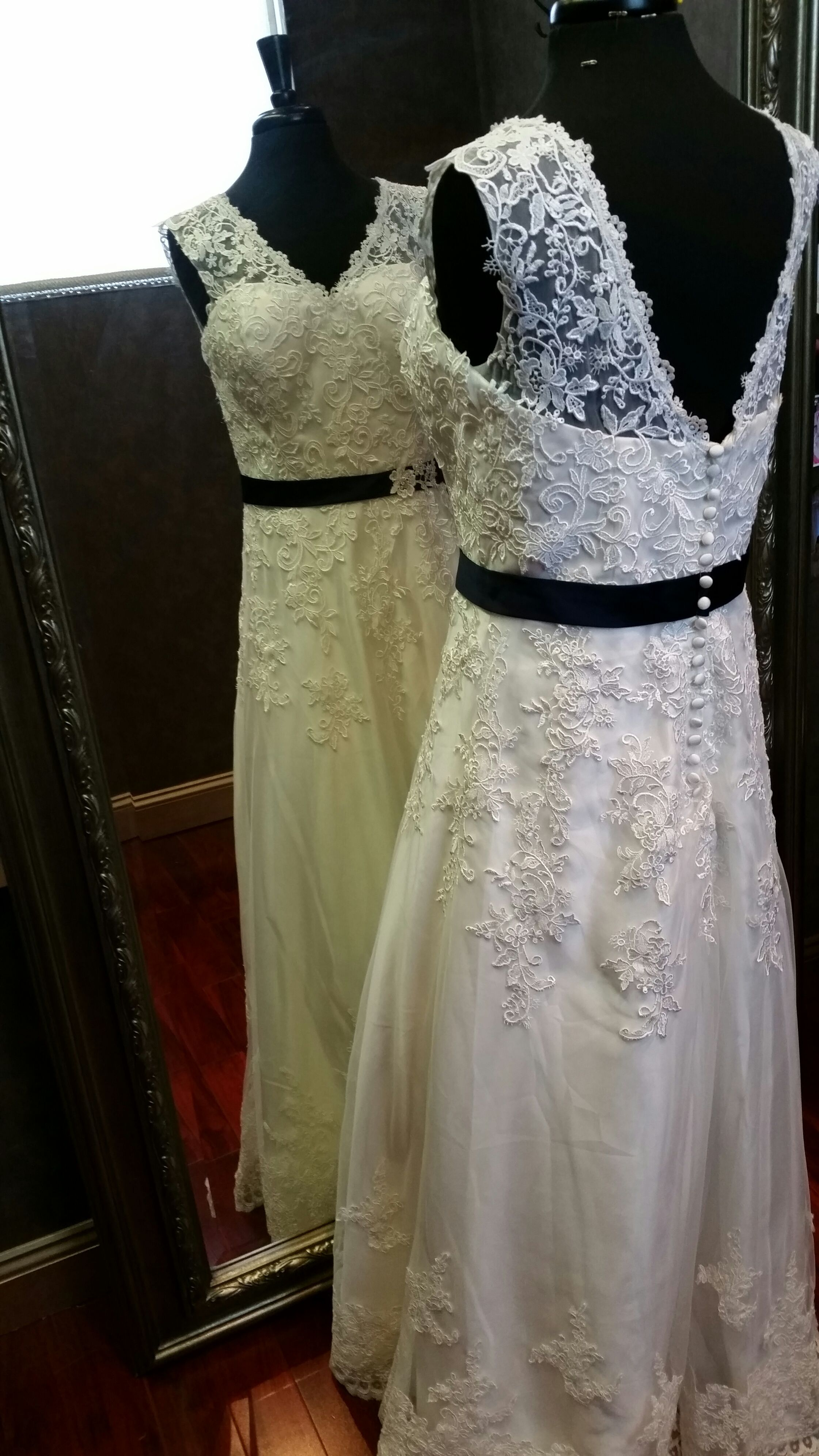 Guipure lace wedding dress with straps by weddingdressfantasy